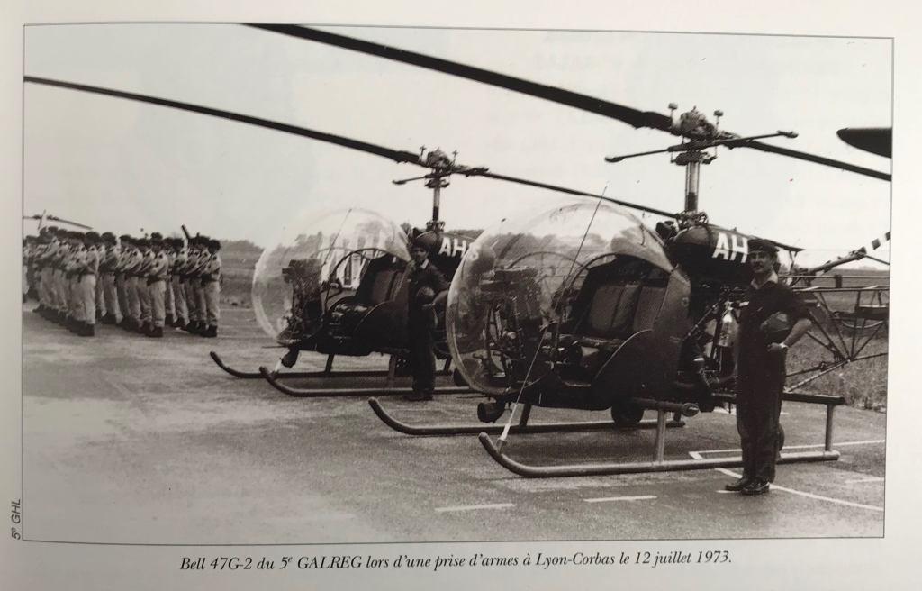 ALAT 5th GALREG BELL 47G-2 | Les Insignes de l'ALAT. ©S.H.A.T. 1991