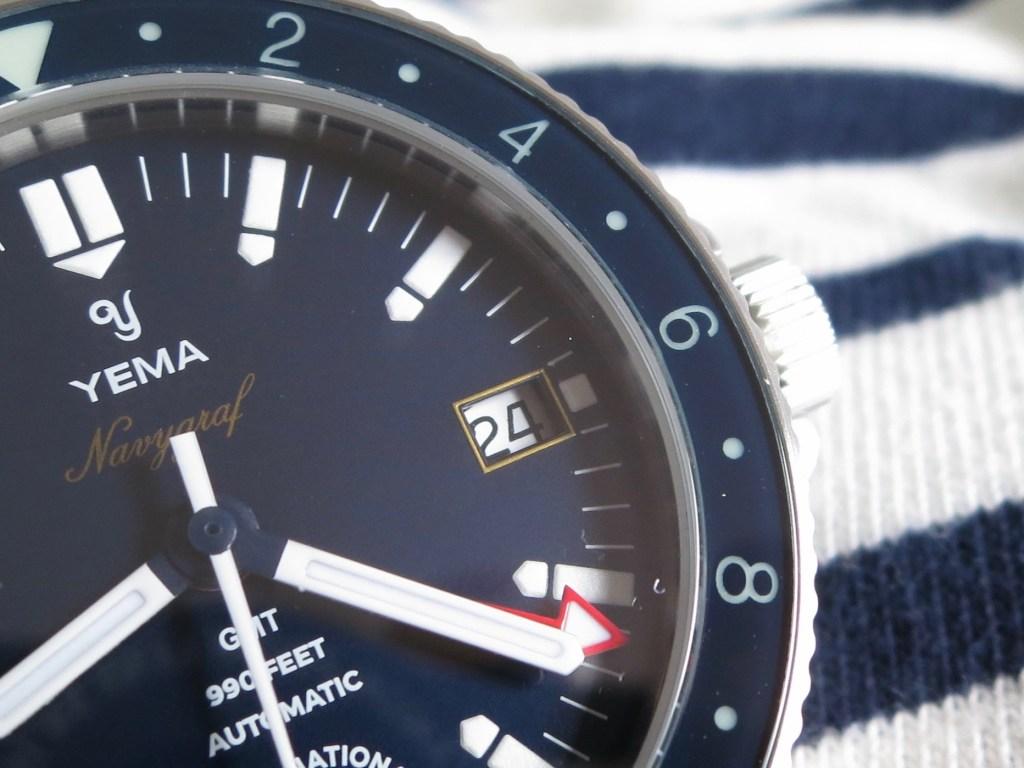 YEMA Navygraf Marine Nationale GMT - Red edge of the date aperture