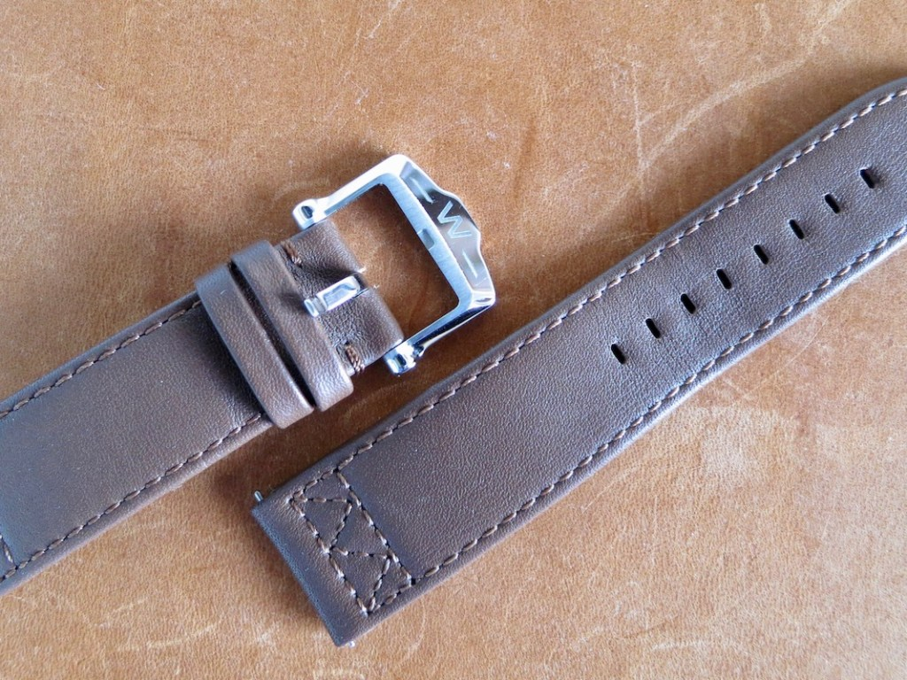WALTHAM Field & Marine   Thick, soft, and comfortable strap